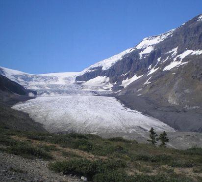 Ледник Атабаска отступает со скоростью 5 м в год