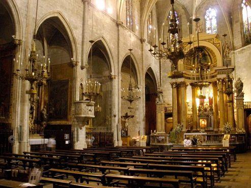 Неф базилики святых Юстуса и Пастора
