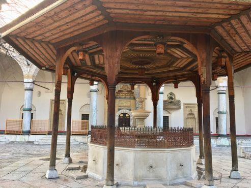 Колодец перед мечетью