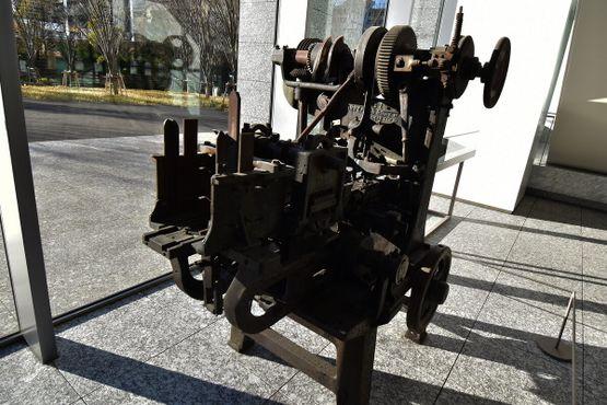 Американский аппарат по изготовлению жестяных банок, 1912 год