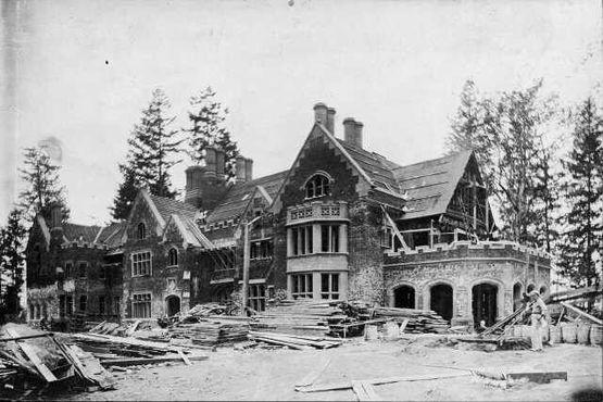 Строительство замка Торнвуд строится примерно в 1911 году, Лейквуд, Вашингтон