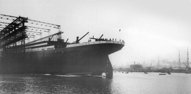 Титаник готовится совершить своё первое плавание