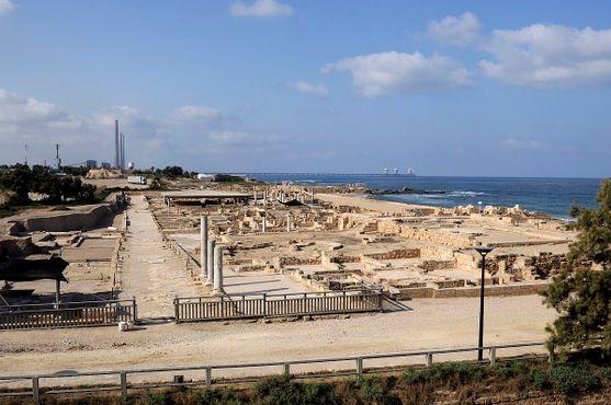 Руины Кесарии Приморской