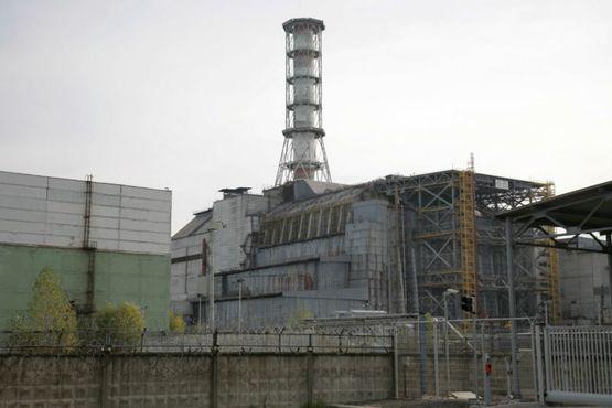 4-й реактор Чернобыльской АЭС, заключенный в саркофаг