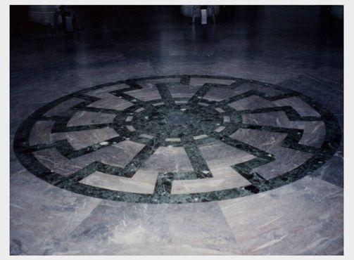 Гиммлер и другие нацистские лидеры участвовали в языческих ритуалах в замке