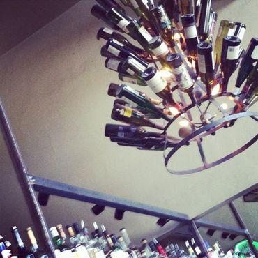 Винная люстра в баре