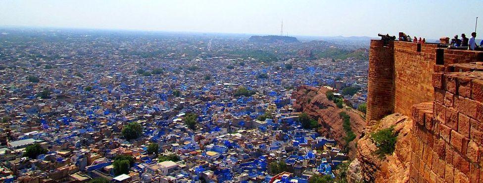 Вид на город из форта Мехрангарх. (Фото: