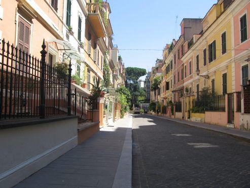 "Улица Бернардо Челентано, ""Маленький Лондон"""