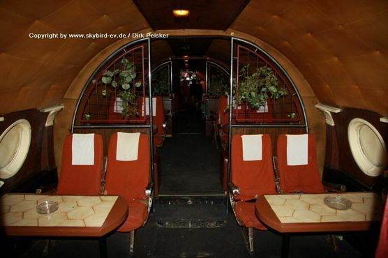 Бар-самолёт «Эскадрилья Т-104»