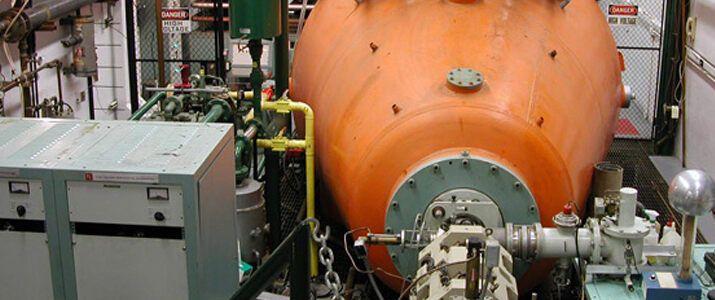 С 1971 года на ускорителе были проведены сотни экспериментов