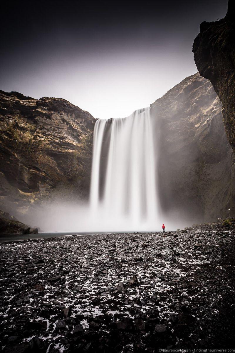 водопады Исландии 25 лучших водопадов Исландии aHR0cHM6Ly93d3cuZmluZGluZ3RoZXVuaXZlcnNlLmNvbS93cC1jb250ZW50L3VwbG9hZHMvMjAxOC8wOC9Ta29nYWZvc3MtV2F0ZXJmYWxsLUljZWxhbmRfYnlfTGF1cmVuY2UtTm9yYWgtNC5qcGc