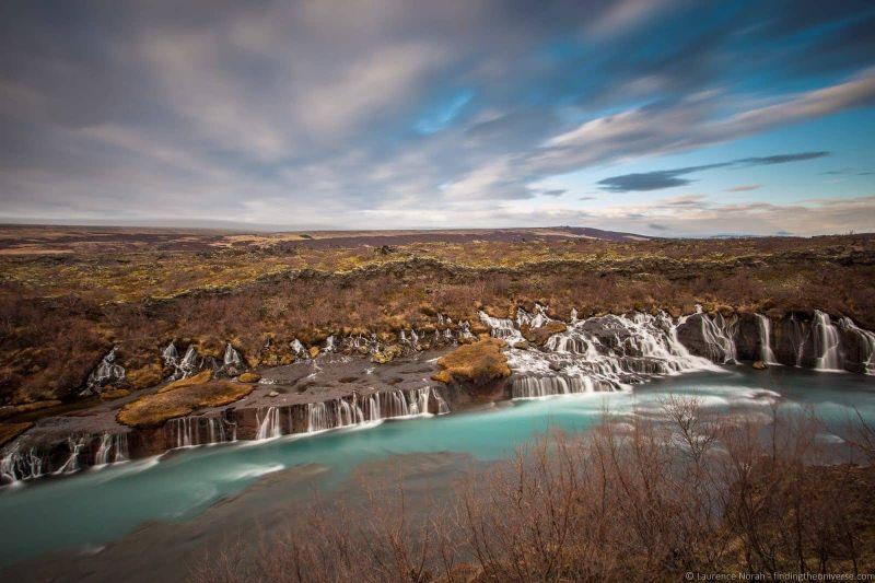 водопады Исландии 25 лучших водопадов Исландии aHR0cHM6Ly93d3cuZmluZGluZ3RoZXVuaXZlcnNlLmNvbS93cC1jb250ZW50L3VwbG9hZHMvMjAxNy8wMy9IcmF1bmZvc3NhcjJCV2F0ZXJmYWxsMkJJY2VsYW5kX2J5X0xhdXJlbmNlMkJOb3JhaC5qcGc