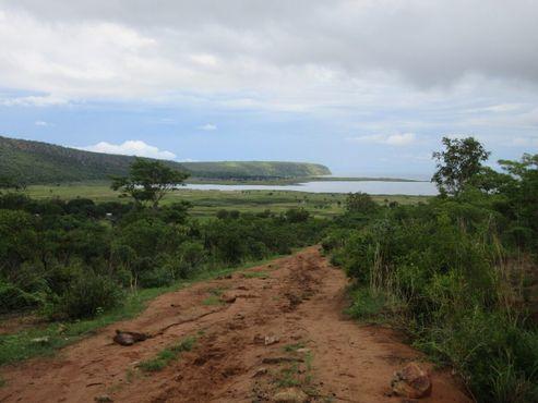 Западное окончание «Дороги Стивенсона» в заливе Китута в озере Танганьика