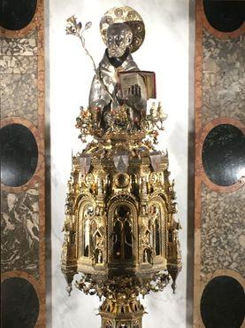 Золотой реликварий в виде головы святого Доминика работы Якопо Розето