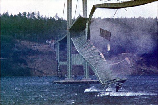 Цветная фотография обрушения 1940 года