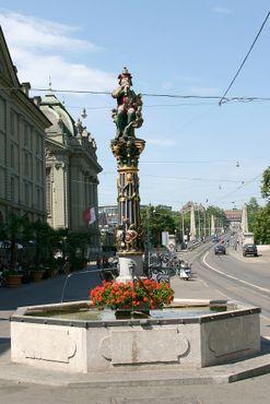 Пожиратель детей на площади Корнхаусплац