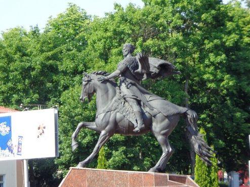 Памятник Всеславу Провидцу