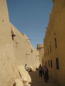 Стена между фортом и рынком