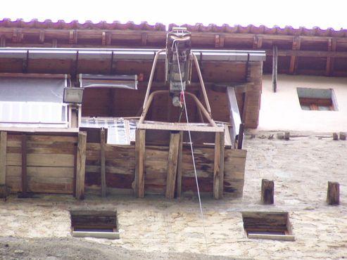 Подъёмная корзина в монастыре Метеоры