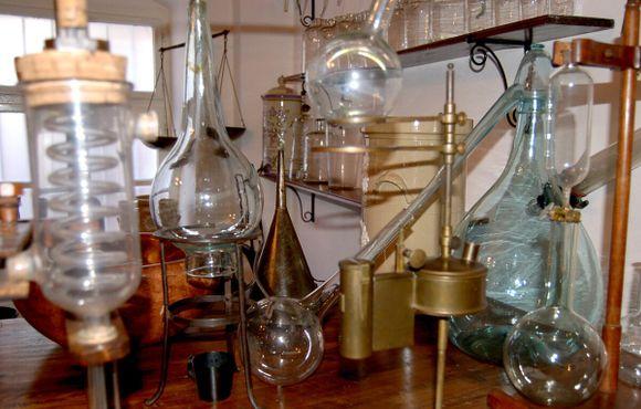 Оборудование химической лаборатории