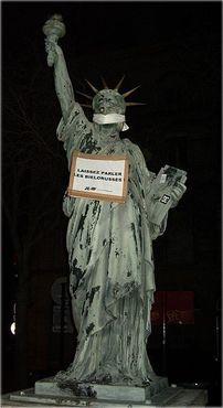 Статуя Свободы в Бордо