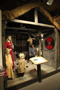 Образец дома викингов в музее при руническом камне