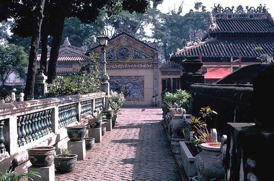 Гробница Ле Ван Зуета