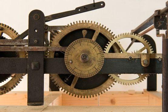Часы, сделанные Игнацем Бертольдом в конце XIX века в Штирии, Австрия