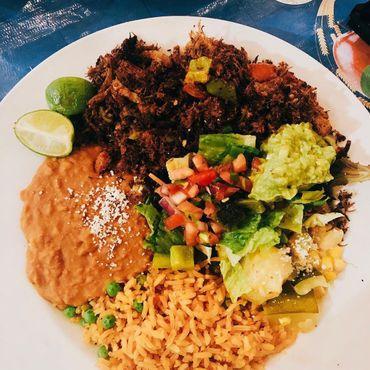 Вяленое мясо с рисом и фасолью