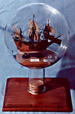 Воссоздание корабля Генри Хадсона в Музее кораблей в бутылках