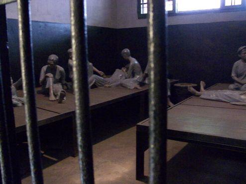 Манекены в женском отделении тюрьмы Хаоло