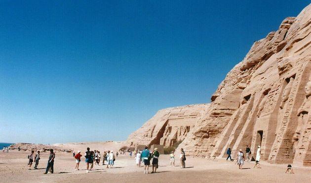 Абу-Симбел - храм Рамзеса II и часовня Нефертари