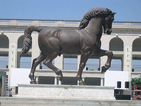 Конь Леонардо, Милан