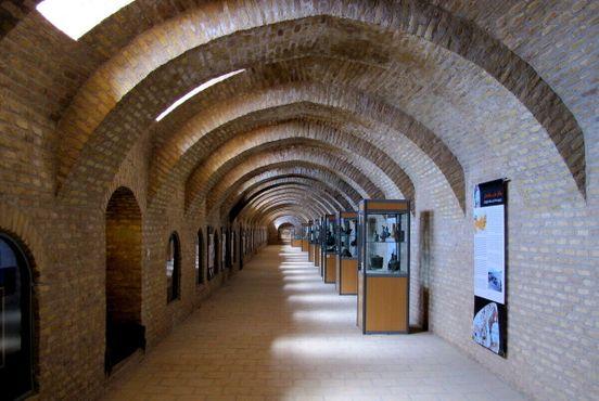Интерьер Национального музея в Герате
