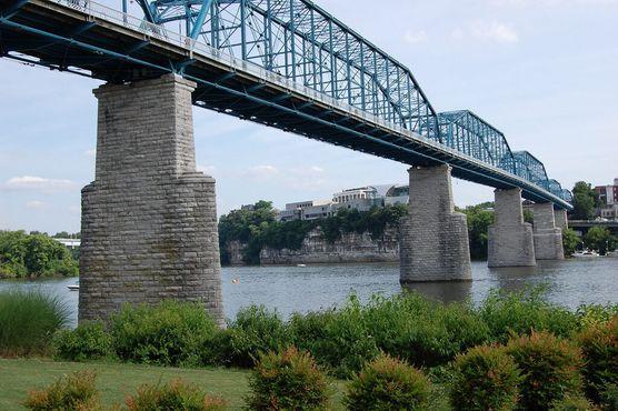 Мост на Уолнат-стрит
