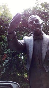Памятник Гарри Л. Коллинзу
