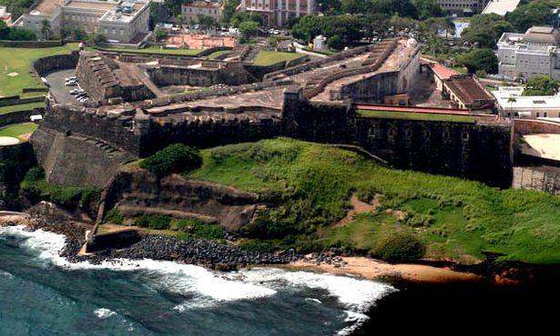 Вид с воздуха на форт Сан-Кристобаль