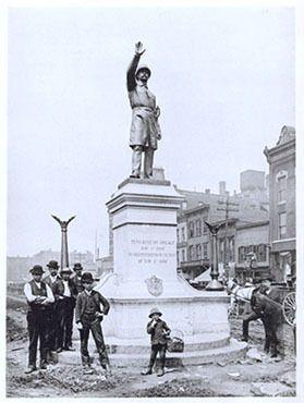 Памятник полицейскому, которого уже нет